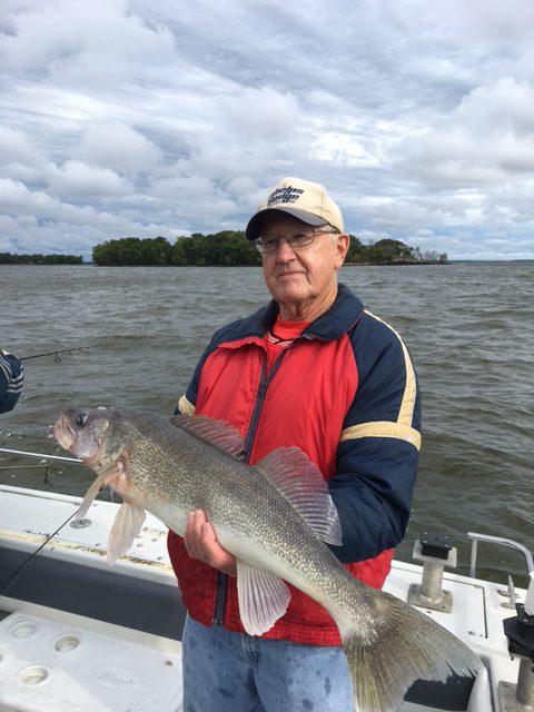 Trophy walleye fishing fall moostash joe tours for Fall walleye fishing